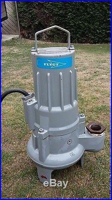 Flygt submersible water pump model 3057 (415v)