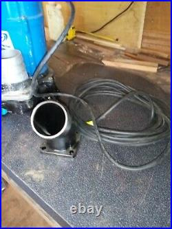 Submersible dirty water pump 240v 75mm 3inch Outlet 40mts hose only 3 weeks use
